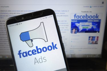Facebook広告のA/Bテスト完全ガイド!設定・実施方法から効果的な分析・活用のポイントまで詳しく解説