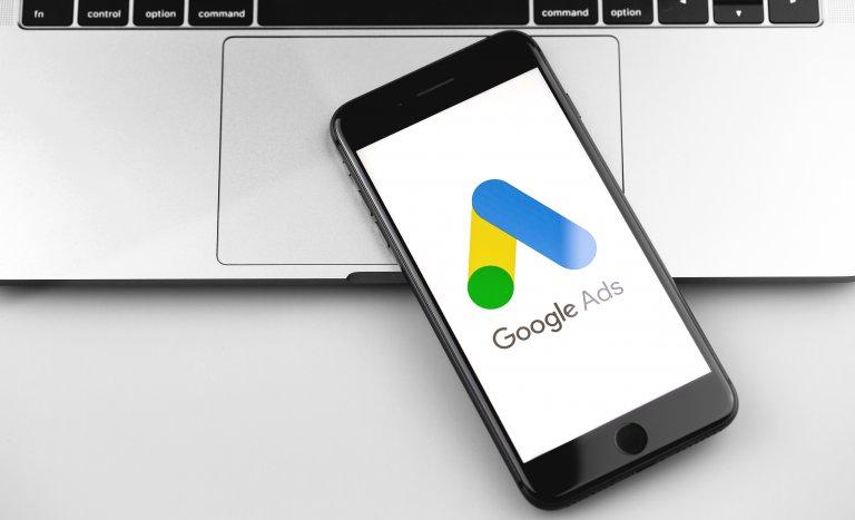 Google広告の費用がまるわかり!課金方式や費用相場、予算の決め方、代理店手数料まで詳しく解説