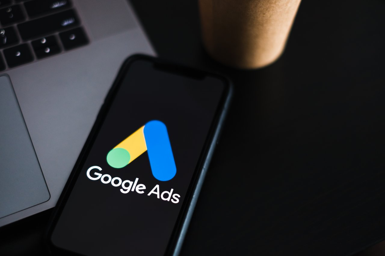 Google広告の地域別レポート作成手順ガイド!分析のポイント、自動化の方法まで詳しく解説