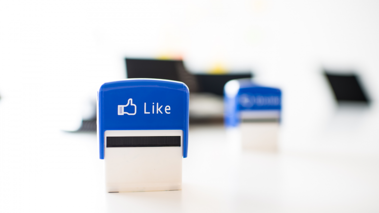 Facebook広告の費用対効果を詳しく解説!他媒体との比較や検証方法、改善のヒントなど幅広く紹介
